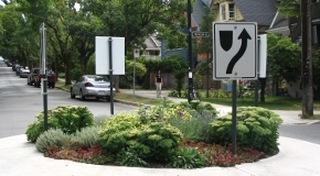 Keep Right signs are used on traffic circles