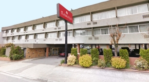 3475 East Hastings Street Ramada Hotel