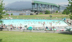New brighton pool city of vancouver for Burnaby swimming pool schedule